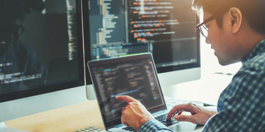 Desenvolvimento de Software: conheça todos os profissionais do projeto