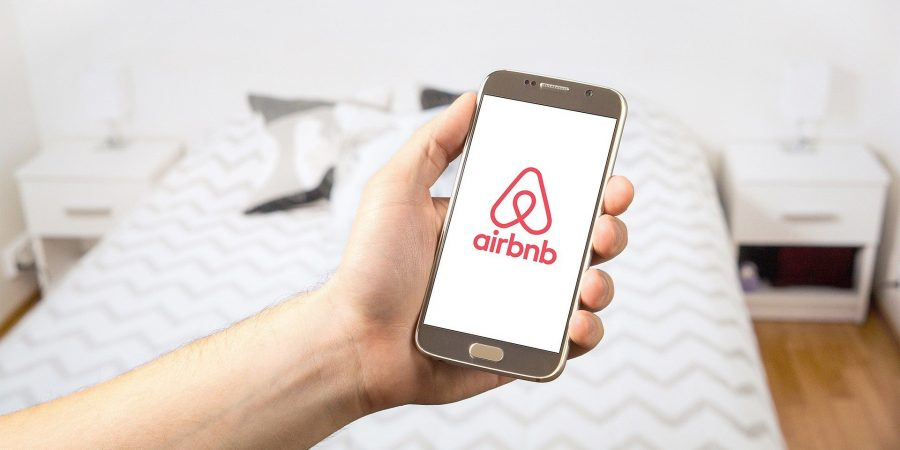 Novo serviço de luxo da Airbnb aluga de ilha particular a castelos