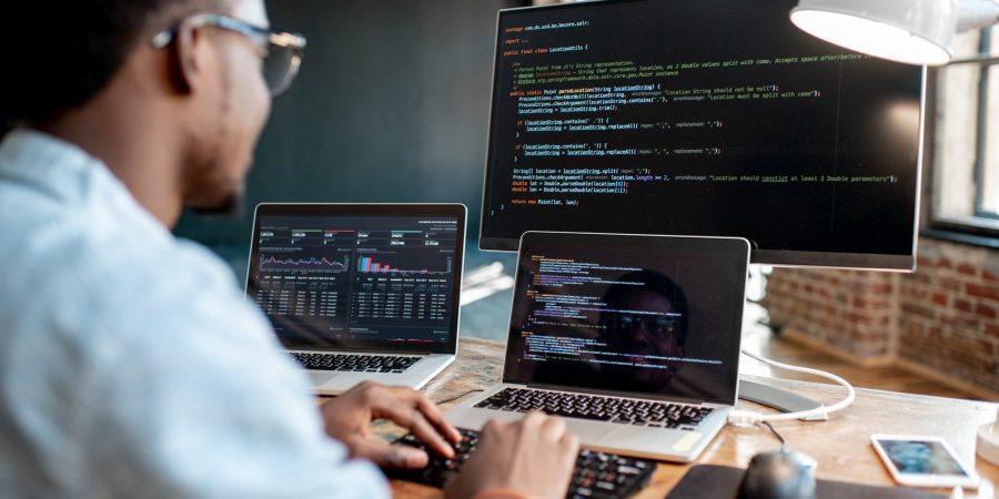 Linguagens de programação mais utilizadas por profissionais