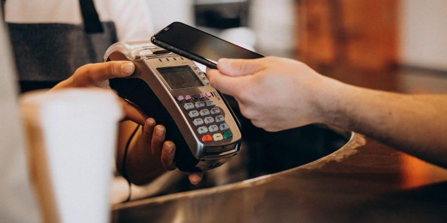 Qual maquininha tem as melhores taxas para o microempreendedor?